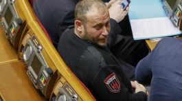 Dmytro Yarosh, leader of the Ukrainian far-right radical group Right Sector and newly elected parliamentary deputy, attends the first session of the new Ukrainian parliament, which was elected in October, in Kiev November 27, 2014.  REUTERS/Gleb Garanich  (UKRAINE - Tags: POLITICS) - RTR4FSJH