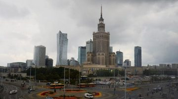 Stalinskaya-vysotka-v-Varshave-768x436