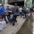 Немецкие СМИ: украинцы едут работать в ЕС со своими лопатами и везут детей в чемоданах