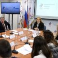 """Российские олимпийцы согласились """"защищать честь страны"""" под нейтральным флагом"""